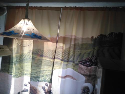 Монтаж карниза с навеской штор.