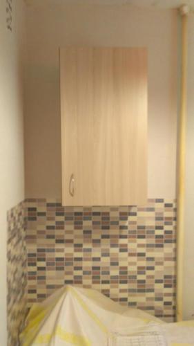 Сборка и навеска шкафчиков на кухне
