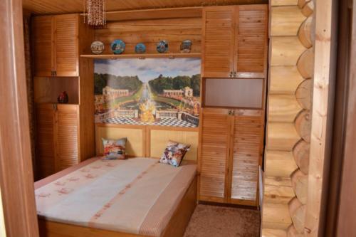 Изготовление и сборка мебели по индивидуальному дизайну. Шкафы и кровать.