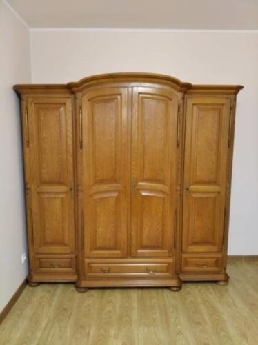 Сборка шкафа из натурального дерева (Орех. пр-во Испания, середина XX века)