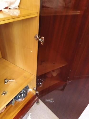 Замена петель в старом шкафу